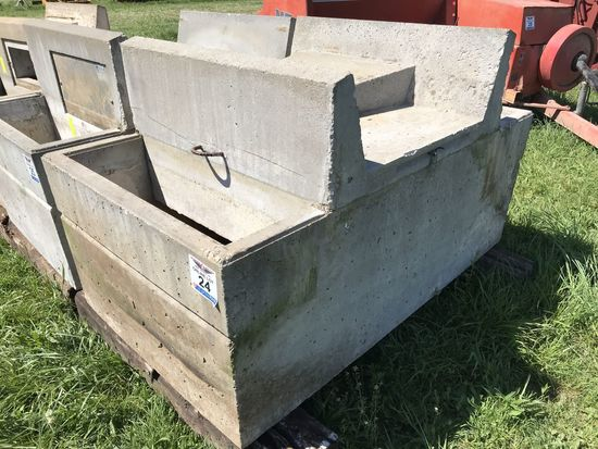 24. Double Sided Concrete Livestock Water Tank CN: 4839
