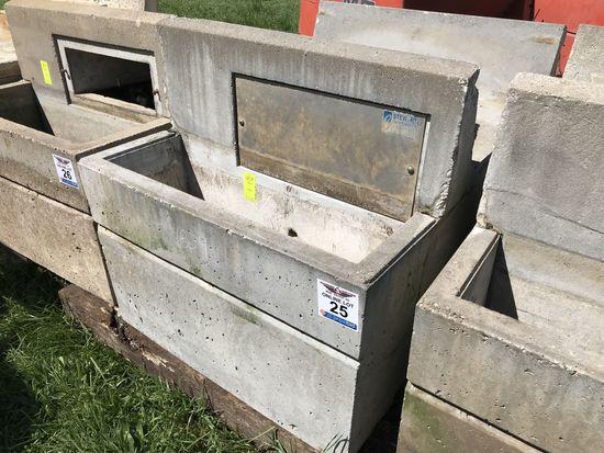 25. Double Side Concrete Livestock Water Tank CN: 4839