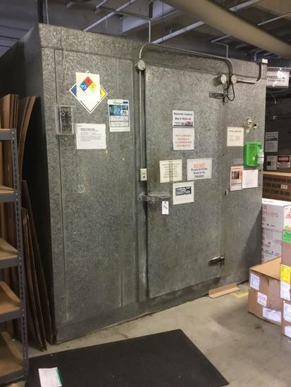 Arctic 40 Degree Walk-in Cooler ***CURRENTLY WORKING***