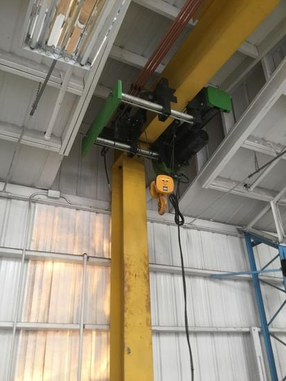 D And R 5000 lbs Crane ***ATTACHED TO BUILDING***