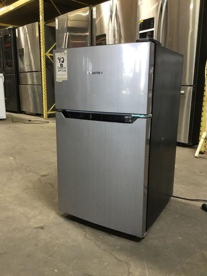 HiSense 3.3 cu. ft. Standing Refrigrator**GETS COLD**