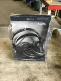 Sonic pro Closed Back Stereo Headphones