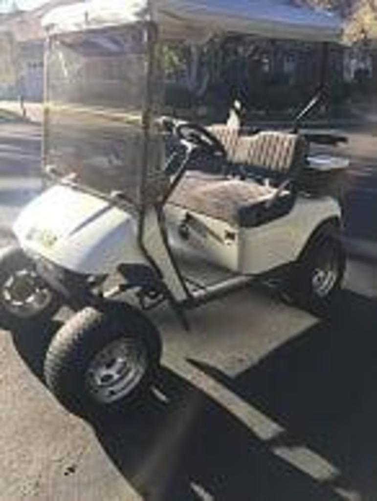 2005 Custom 48 Volt EZ-Go Golf Cart With 4in. Lift