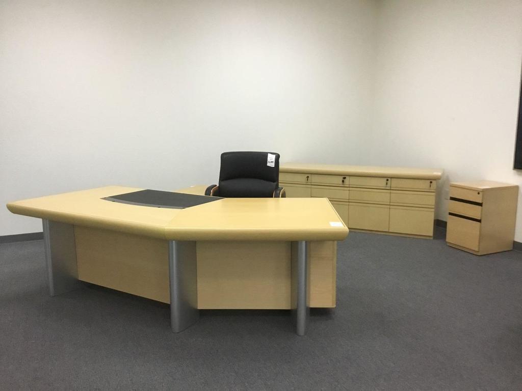 """Dallas 8'6"""" Executive Desk Right, Supreme Credenza, and Sacramento Chair"""