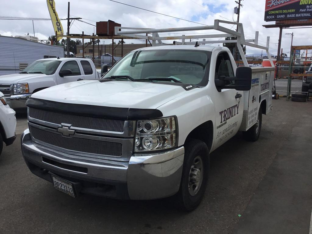 2007 Chevrolet Silverado 2500 with Harbor Truck Service Body***FOR DEALER OR EXPORT ONLY***