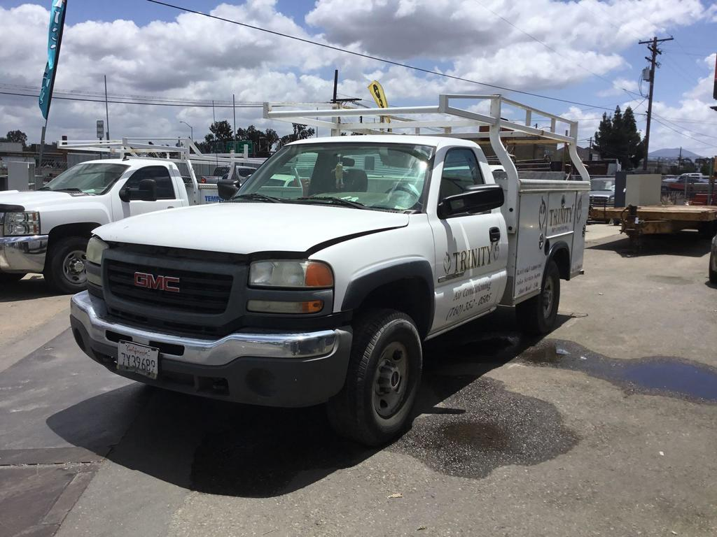 2007 GMC Sierra Classic 2500 Royal with Truck Service Body***FOR DEALER OR EXPORT ONLY***