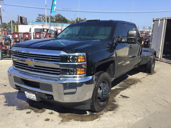 2016 Chevrolet Silverado 3500 Crew Cab w/Heritage Truck Tilt Back Bed and Integrated Winch
