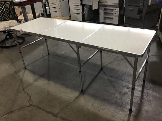Trademark Innovations Faux Vintage Folding Table