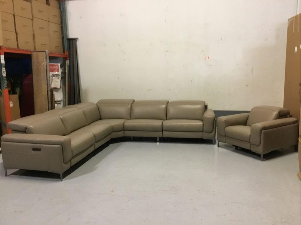Violino Limited 5-Piece Power-Reclining Beige Leather Sectional w/Chair In a Half Recliner