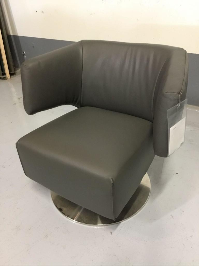 Delta Salotti Italia Grigio Leather Swivel Chair