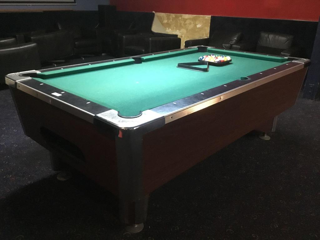 Global Billiards Table With Billard Ball Set and Triangle