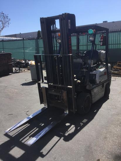 KOMATSU LPG 5000lbs. Capacity Sit Down Counterbalanced Forklift with Side Shift