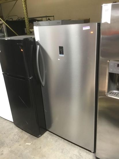 Insignia 17 Cu. Ft. Stainless Steel Frost-Free Upright Convertible Freezer/Refrigerator