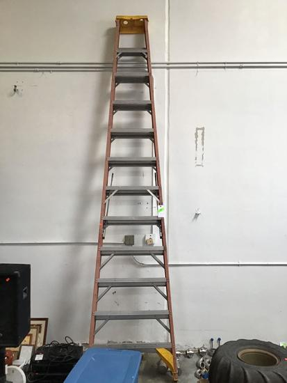 12ft Fiberglass *A* Frame Ladder