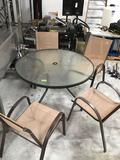 4ft Round Outdoor Patio Table With Glass Top and (4) Chairs