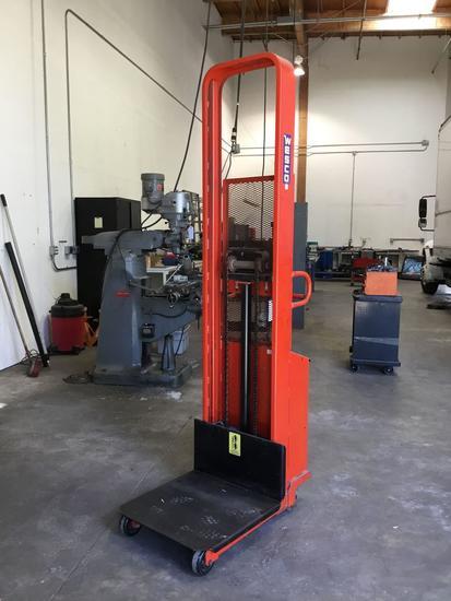 Wesco Battery Powered 1500lbs Capacity Lift Truck***WORKING***