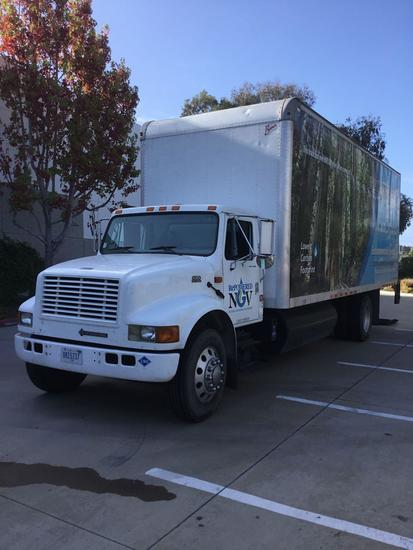 2000 International 4700 CNG 24ft. Box Truck with Lift Gate and Side Access Door