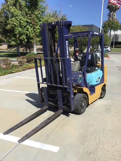 KOMATSU 5000lb Capacity LPG Forklift with Triple Stage Mast and Side Shift