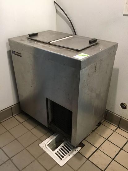 Master-Bilt Reach-In Freezer***WORKING***