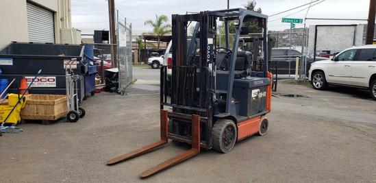 TOYOTA 48 Volt 5000lb Capacity Electric Forklift with Side Shift