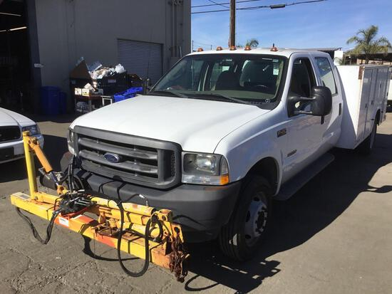 2003 Ford F-450 XL Crew Cab with KNAPHEIDE Service Body and BEMIS Post Puller