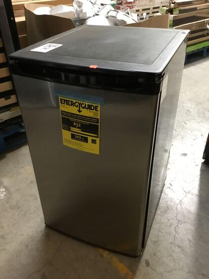 Magic Chef 4.4 cu. ft. Mini-Refrigerator