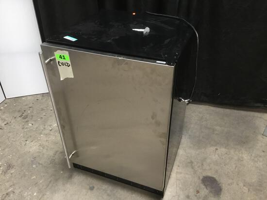 GE Monogram 5.4 cu. ft. Refrigerator***GETS COLD***