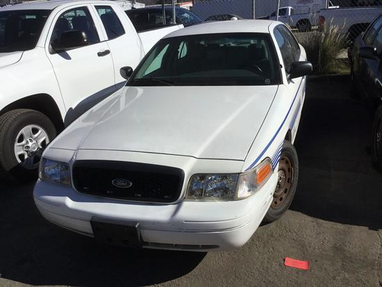 2003 Ford Crown Victoria ***FOR DEALER OR EXPORT ONLY***