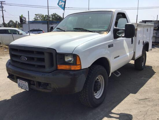 2001 Ford F-350 V8 4X4 Diesel w/Royal Service Body