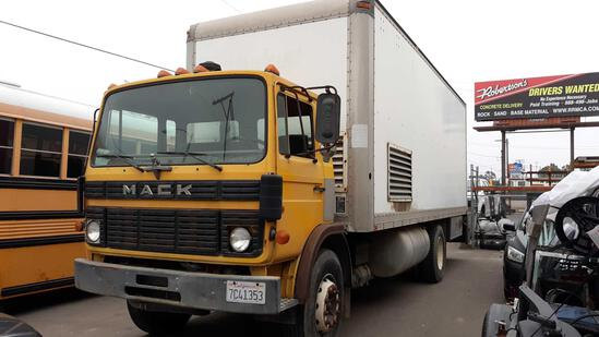 1990 Mack MS200P 24ft Box Truck with Commercial Sand Blasting Equipment 25,900 G.V.W.R.
