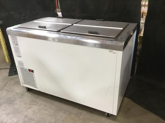 Nelson Mfg. Conventional Double Row Reach-in Chest Type Freezer w/Flip Lids ***GETS COLD***