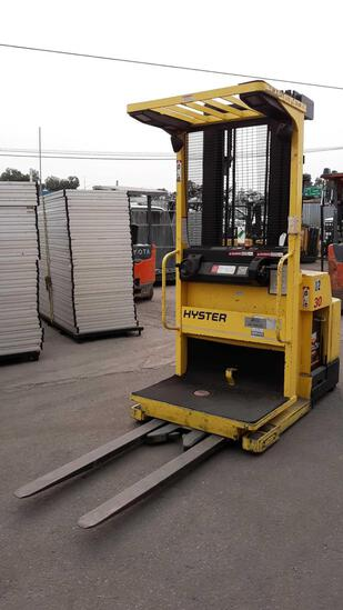 HYSTER 3,000lbs Capacity 24v Electric Narrow Aisle Order Picker