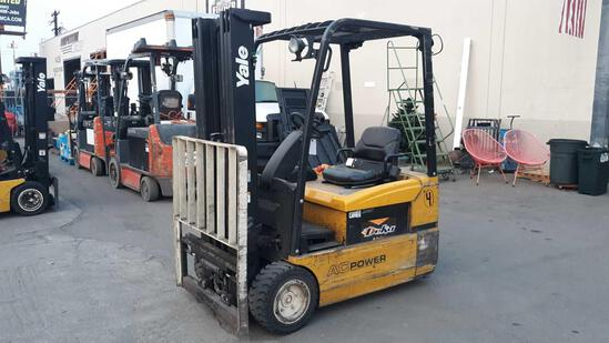YALE 3,700lbs Capacity 36v Electric Forklift with Side Shift*MACHINE MOVES UNDER OWN BATTERY POWER*