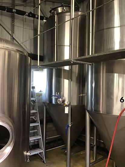 25 Barrel, Stainless Steel, Close Top, Cone Bottom Fermentation Tank with 18 in Side Bottom Manway