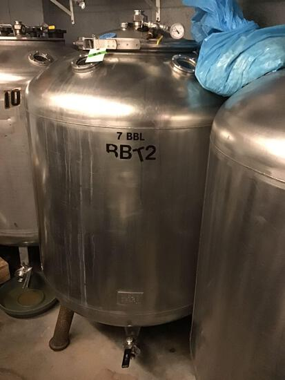 7 Barrel, (181.25 Gallons) Stainless Steel, Vertical, Bright Tank with Top Manway and Carbon Steel
