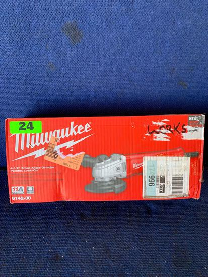 Milwaukee 4-1/2in. Corded Small Angle Grinder*WORKS*