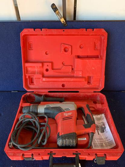 Milwaukee 120V 1-9/16in. Corded Rotary Hammer *WORKS*
