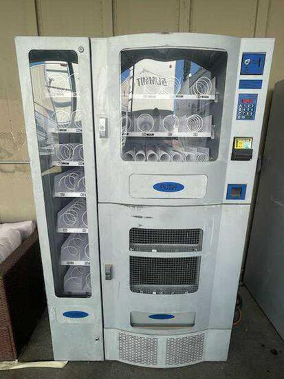 PURCO Office Deli Vending Machine*WORKS*GETS COLD*WITH KEYS*