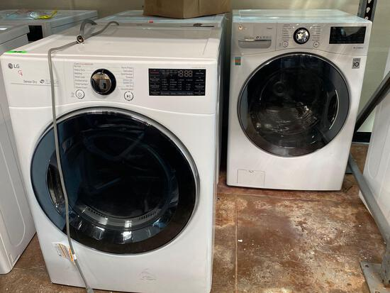 LG 7.4 cu.ft. Gas Dryer and 4.5 cu.ft. Front Load Washer Pair in White*PREVIOUSLY INSTALLED*