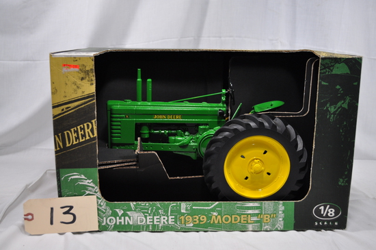 John Deere 1939 Model B - 1/8th Scale
