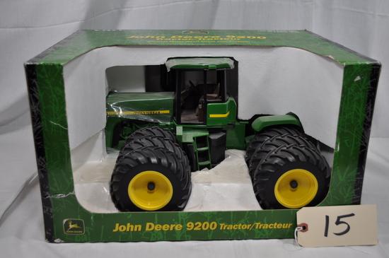 Ertl John Deere 9200 - 1/16th scale