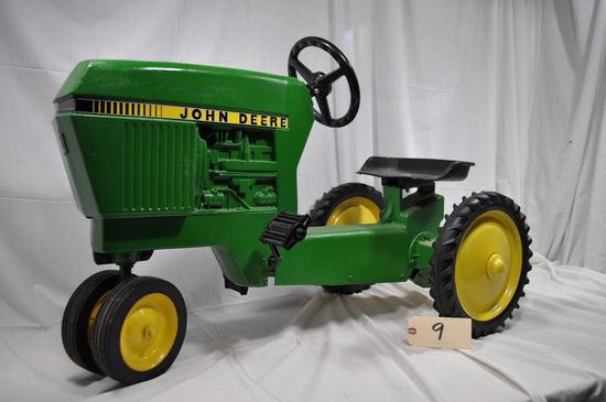 Ertl John Deere Pedal Tractor - Stock #520