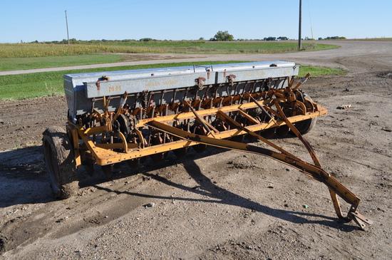 Minneapolis Moline Grain Drill with Grass Seeder 10 ft