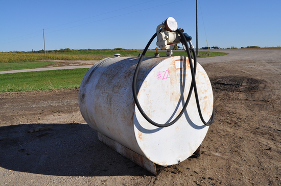 500 Gallon Fuel Tank - unknown if pump works
