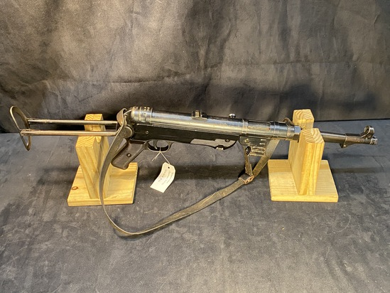 MP 40 Sub-Machine Gun