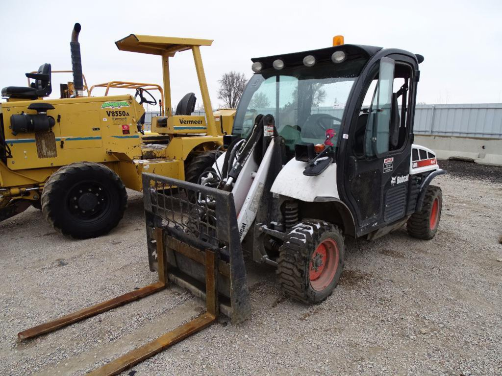 2014 Bobcat 5610 4WD Toolcat, Enclosed Cab w/ A/C, High Flow, Front & Rear Hydraulics, Forks,