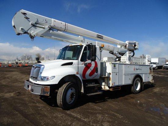 2005 INTERNATIONAL 4400 S/A Bucket Truck, DT466, Automatic, Spring Suspension, Hi-Ranger Model