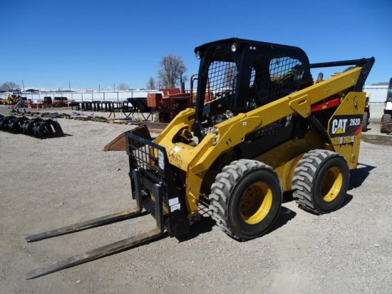 2015 Caterpillar 262D Skid Steer Loader, Bucket & Forks, Auxiliary Hydraulics, 12-16.5 Tires, Hour