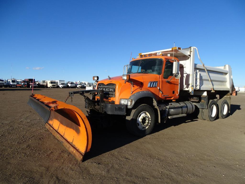 2008 MACK GU-713 T/A Dump Truck, Mack MP8 Diesel, Allison 4560 RDS Transmission, Spring Suspension,