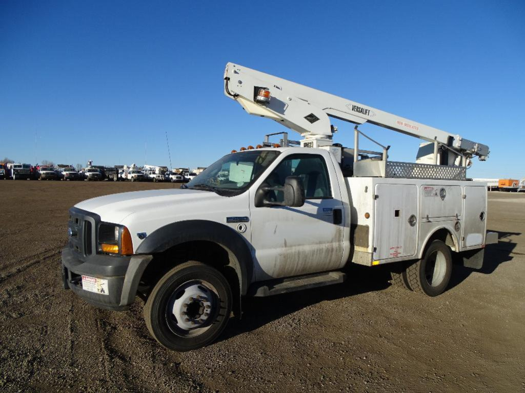2006 FORD F450 XL Super Duty Bucket Truck, Triton V10, 6.8L, Automatic, Versalift Model TEL-29N-02